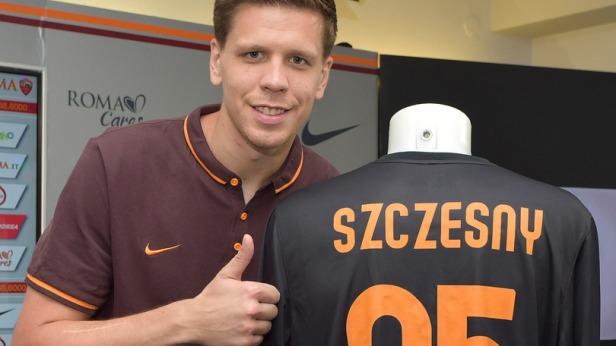 AS Roma Unveils New Signing Wojciech Szczesny